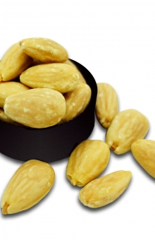 Almond Whole Roasted TRIO Natural 450 gram